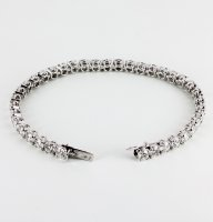 Bracelet souple sertis de diamants ronds
