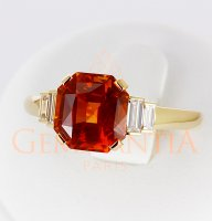 Bague saphir orange et baguettes diamant